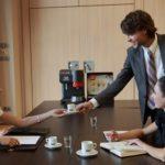 Wzmocnienie w filiżance dla pracoholika w przypadający na 12 sierpnia Dzień Pracoholika